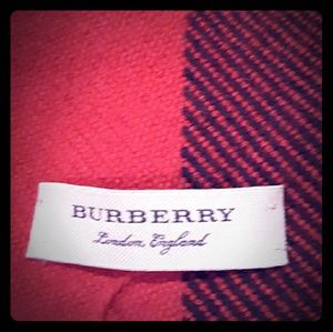 Burberry scarf Red blocked pattern